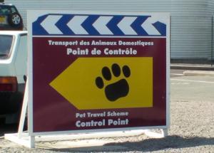 follow the pet travel scheme logo at the Eurotunnel