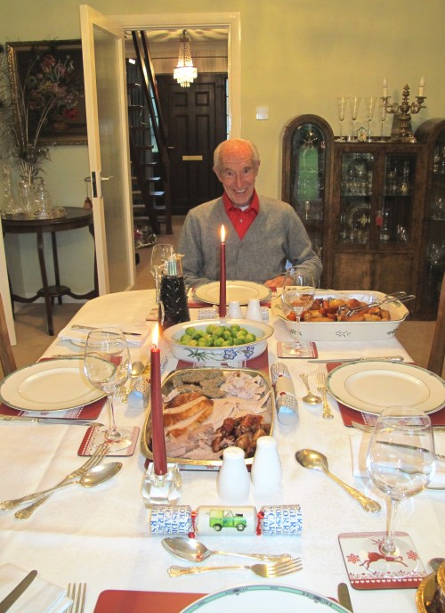 grandpaw ready for xmas lunch